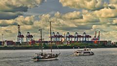 Hamburg-Cruise Days 2019 (Jürgen von Riegen) Tags: hamburg cruise days hafen schiffe wasser elbe blau blue ships harbor lumix panansonicg9 fourthirds micro43 mirrorless outdoors outside fave