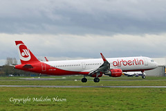 A321 OE-LNZ AIR BERLIN\NIKI (shanairpic) Tags: jetairliner passengerjet a321 airbusa321 shannon condor airberlin belair datcd datce hbjox oeige oelnz