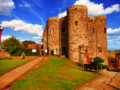 Rye Castle, Rye, East Sussex, UK [Explored] (photphobia) Tags: rye smalltown eastsussex rotherdistrict southcoast uk medieval england europe oldwivestale holiday outside outdoor streetphotos buildings explore explorer explored interesting interestingness