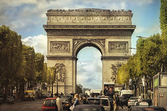 Paris, Arc de Triomphe (Luc Mercelis) Tags: paris cityoflight cityscape sonyilce7 textureeffects arcdetriomphe