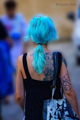 """Ammiro le donne """"colorate"""" / I admire """"colored"""" women (Eugenio GV Costa) Tags: approvato donne ritratto donna women woman portrait colore street coloured hair capelli"""
