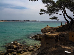 Pals (Gatodidi) Tags: naturaleza natura azul cielo reflejos lansdcapes paisaje paisatge norwegian norway ng preikestolen lagos agua barco barcas cami ronda costa brava pals catalunya cataluña national geographic