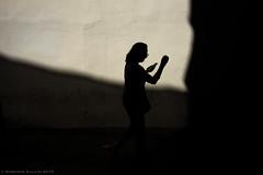Silueta (ralcains) Tags: sevilla seville españa spain andalousia andalusia andalucia ngc rangefinder telemetrica calle fotografiadecalle street streetphotography contraluz backlighting sombras shadows leica leicam leicam240 m240 summicron 35mm