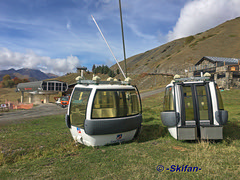 TC St Martin la gare amont + anciennes cabines (-Skifan-) Tags: anciennescabinestcstmartin chengementdescabines g2 lesmenuires stmartindebelleville tcstmartin skifan 3vallées 3v