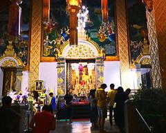 Wat Phratat Hariphunchai (ol'pete) Tags: ลำพูน lamphun ประเทศไทย thailand เมืองไทย temple wat buddhist ทำบุญ meritmaking วัดพระธาตุหริภุญชัย phra that hariphunchai