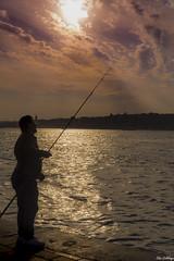 Güneşe olta atanlar (pazartorbasi) Tags: sunset olta fisherman sea bosphorus turkey sonya6000 sonyalpha sony 18105mm