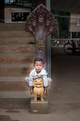 Protezione totale - Figli degli Dei (iw2ijz) Tags: children child bimbo portrait ritratto fotografia travel trip viaggio workshop d500 nikon asia cambodia cambogia