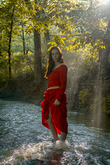 In Lothlórien, by the stream of the Nimrodel (*Ranger*) Tags: red nikond3300 model woman lady water stream forest fantasy lordoftherings photoshoot fog mist sunray sunbeam