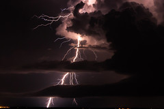 Nightstorm (Markus Branse) Tags: from hill australia darwin wharf stokes seen northernterritory nightstorm seenfromstokeshillwharf oz tags aussie northern gewitter thunder territory australie austral austalien hinzufügen notthern nooamah cloud storm weather clouds wolke wolken bolt thunderstorm lightning wetter meteo weer unwetter blitze night wasser sonnenuntergang nacht hell himmel outback nuit nite langzeitbelichtung