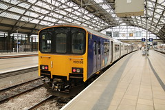 150138 Liverpool Lime Street 10/10/2019 (Martin Coles) Tags: trains train rail railways railway liverpoollimestreet liverpool 150138 class150 sprinter northern