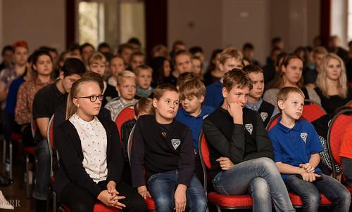 Muusikapäev Orissaare gümnaasiumis. Sänni Noormets ja Maarja Soomre