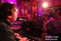 s191010_1426+_Beans_Marian Kleebaum (gareth.tynan) Tags: mariankleebaum cafébarbeanslangen event gig performance cultmusiclocation pianist singersongwriter pop jazz