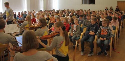 Rasmus_Puur_ja_VHK_orkester_P6ltsamaa_Yhisgymnaasium_foto_Janis_N6lvak_006