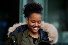 Haags Portret (Roel Wijnants) Tags: vrouw girl meisje kleding mode portret portrait straatportret woman smile glimlach guerrillastreetfashion streetfashion modeopstraat roelwijnants wandelvondst wandelen roelwijnantsfotografie somerightsreserved ccbync hofstijl haagspraak denhaag thehague absoluteleythehague cityilove fotogebruik licentievoorwaarden