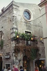 Corso Umberto, Taormina (Insher) Tags: sicilia sicily italia italy church taormina
