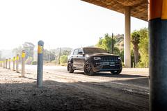 jeep-grand-cherokee-wk2-lowered-status-juggernaut-carbon-graphite-22-inch-wheels-rims - 08