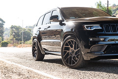 jeep-grand-cherokee-wk2-lowered-status-juggernaut-carbon-graphite-22-inch-wheels-rims - 06