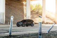 jeep-grand-cherokee-wk2-lowered-status-juggernaut-carbon-graphite-22-inch-wheels-rims - 04