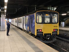 150119 Manchester Victoria 10/10/2019 (Martin Coles) Tags: trains train rail railways railway manchestervictoria 150119 class150 sprinter northern