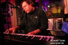 s191010_1412+_Beans_Marian Kleebaum (gareth.tynan) Tags: mariankleebaum cafébarbeanslangen event gig performance cultmusiclocation pianist singersongwriter pop jazz