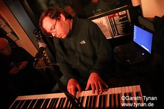 s191010_1378+_Beans_Marian Kleebaum (gareth.tynan) Tags: mariankleebaum cafébarbeanslangen event gig performance cultmusiclocation pianist singersongwriter pop jazz