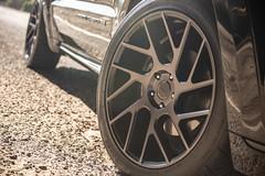 jeep-grand-cherokee-wk2-lowered-status-juggernaut-carbon-graphite-22-inch-wheels-rims - 03