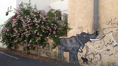 Grafito_24-2019 (Solamente Itan) Tags: grafito grafiti elefante trompa chimenea planta almería safecreative 1910102153162 almeríaandalucía esp