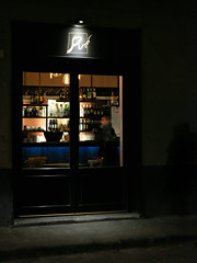 He drinks alone (Pierrot le chat) Tags: florence italy firenze italia italie night streetphotography fotodistrada scènederue bar