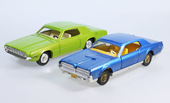 Dinky Thunderbird and Cougar (adrianz toyz) Tags: adrianztoyz dinky toys diecast toy model car france french 1419 ford thunderbird mercury cougar 174 editions atlas reissue copy