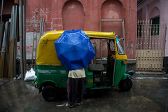 Auto & Driver (Karthikeyan.Chinnathamby) Tags: karthikeyan chinnathamby chinna canon canon5d canon5dmarkiii travel str street streetlife streetphotography auto monsoon rain water india westbengal kolkata streets candid color colors story people cwc chennaiweekendclickers cwc742 umbrella 24105