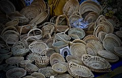 Sweetgrass Baskets - Charleston City Market - Charleston SC (Meridith112) Tags: sweetgrass sweetgrassbaskets baskets weaving gullah geechee gullahgeechee charlestoncounty charleston citymarket market charlestoncitymarket lowcountry sc southcarolina south carolinas westafrica coastal holycity nikon nikon2485 nikond610 2019 fall september