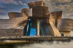 Museum Guggenheim Bilbao (Flowerikka B) Tags: architektur art bilbao building clouds frankogehry gebäude guggenheimmuseum light skulptur sky spanien spain titan