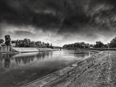 It will rain soon (wojciechpolewski) Tags: photos photo poland wpolewski nature blanconegro blackwhite schwarzweis blancoenegro blancoynegro river stormyclouds darkclouds
