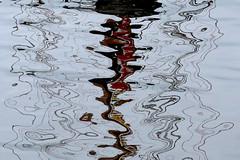 (jc.dazat) Tags: abstrait abstraction reflets reflection eau water extérieur outside paréidolie photo photographe photographie photography canon jcdazat