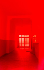 20181123-007 (sulamith.sallmann) Tags: analogeffekt analogfilter blur effekt effekte filter folie folienfilter folientechnik hauseingang rot unscharf sulamithsallmann
