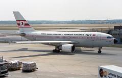 TC-JCY - Frankfurt am Main (FRA) 10.07.1994 (Jakob_DK) Tags: a310 a310304 airbus airbusa310 a310300 airbusa310304 eddf fra flughafenfrankfurtammain frankfurtairport thy turkishairlines thyturkishairlines 1994 tcjcy