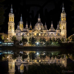 Anochece en el Pilar (kinojam) Tags: pilar basilica catedral torres tower zaragoza aragon refejo reflection nocturna night kino kinojam canon canon6d