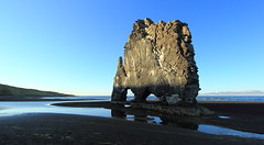 Hvítserkur on the Side (Eye of Brice Retailleau) Tags: brice retailleau quintessence de voisinage photographe photographer francais french backpacker backpacking aventure adventure travel traveler photography photographie voyage visit voyageur angle home tour du monde around world bright colours colorful colourful couleurs website life beauty composition perspective light scenic view vista trip earth wonderful beautiful gorgeous amazing journey destination tourisme tourism outdoor outdoors outside exterieur exterior landscape paysage paysaje scenery water waterscape sea ocean oceanside seaside sand beach playa panorama iceland icelandic wonder hvítserkur