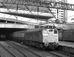 Class 25 24224 heading for Swansea at  Birmingham New Street 1979. (flashbangmilly) Tags: 25224 swansea manchester nst