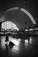 Halles inclusive (PhlippeC.) Tags: halles boulingrin reims noirblanc monochrome blackwhite marché people marne architecture vitrail geometric