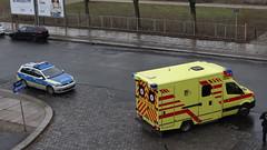 Unfall-00356 (pischty.hufnagel) Tags: dresden johannstadt unfall fahrrad krankenwagen polizei bmw
