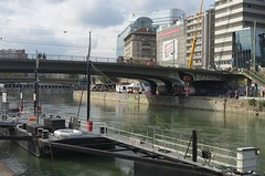 Vienna (Wien) - DonauKanal - 2 (fred.weg) Tags: vienna wien austria donaukanal kanal donau danube quay