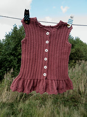Chocolatecoloured girl's top (cats_in_blue) Tags: knitting girlstop