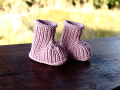 Baby booties (cats_in_blue) Tags: babybooties knitting strik