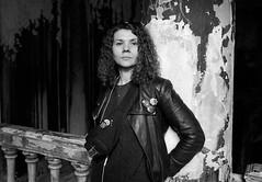 Наташа. Портрет в Анненкирхе. (Natasha Buzina) Tags: portrait blackandwhite film nikonfm2 портрет пленка