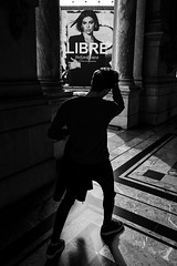 Libre (Mustafa Selcuk) Tags: noiretblanc noiretblancphotographie xt2 fujifilm fujifilmfr parismaville parisienne paris streetphotography street monochromatic monochrome siyahbeyaz bw bnw blackandwhite liberte freedom free libre