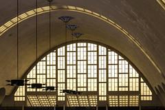 Halles aube (PhlippeC.) Tags: boulingrin halles vitrail architecture marché marne reims jaune yellow aube