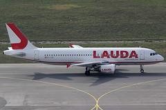 Laudamotion Airbus 320-214 OE-LOR (c/n 3206) (Manfred Saitz) Tags: vienna airport schwechat vie loww flughafen wien lauda laudamotion airbus 320 a320 oelor oereg