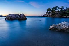 Dawn in the Magaud cove (Loki7777) Tags: france provence toulon dawn aurora sunrise méditerranée sea