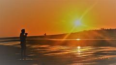 Barra Grande - Amanhecer (sileneandrade10) Tags: sileneandrade bgk barragrande amanhecer sunrise viagem turismo landscape paisagem nikon nikoncoolpixp1000 nikoncorporationcoolpixp1000 praia mar água sol hdr silhueta silhouette perfil profile sideview